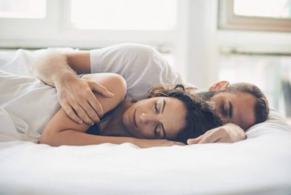 10 Tipps für erholsamen Schlaf-Beitragsbild