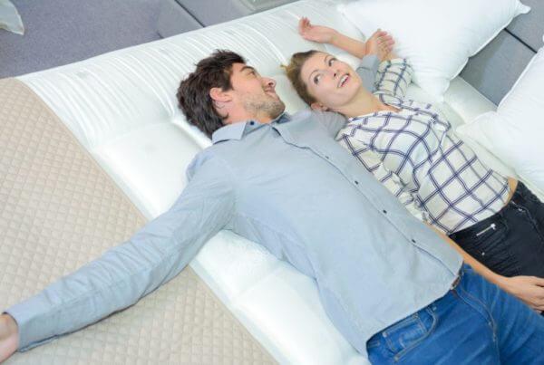 Die richtige Matratze nimmt den Druck-Beitragsbild